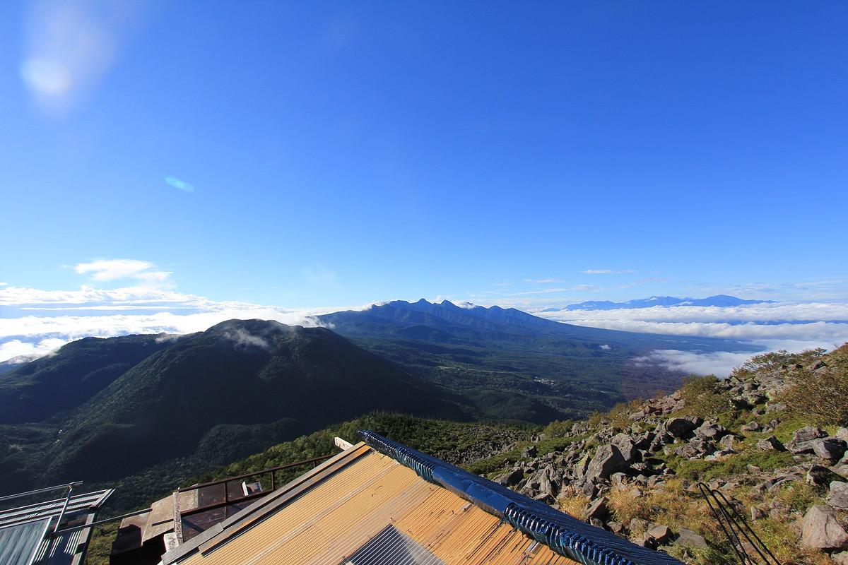 蓼科山頂ヒュッテから見た南八ヶ岳