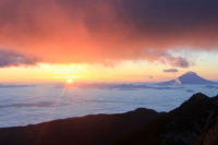 鳳凰山の観音岳からのご来光